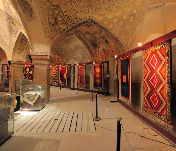 Carpet Museum of Iran - Tehran Carpet Museum