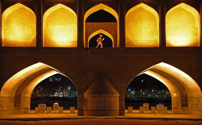 Si o Se Pol bridge - bridge of 33 arches Iran