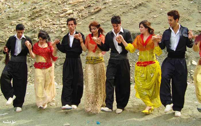 Iran Dress Code for Tourist, Ladies and foreign - iran clothing - persian dress code - dress code in iran for tourists