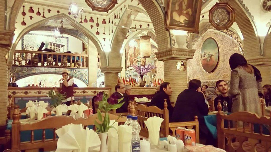 Alighapoo Restaurant - Best Iranian Traditional Restaurants in Tehran