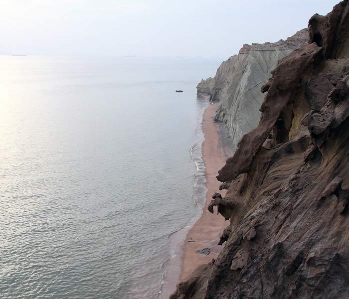 Hormuz Island - Hormuz Island attractions - Hormuz Island soil