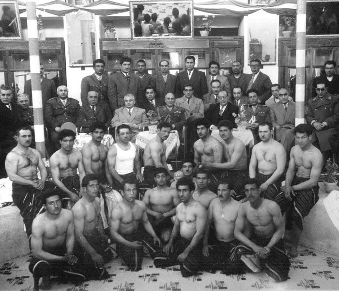 Zurkhaneh - zurkhaneh exercises - varzesh-e pahlavāni - zurkhaneh equipment - Zurkhaneh attire